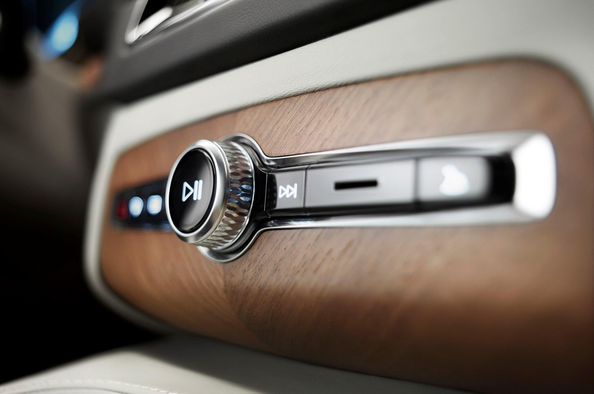 2015 Volvo Xc90 Interior Revealed Automobile Magazine