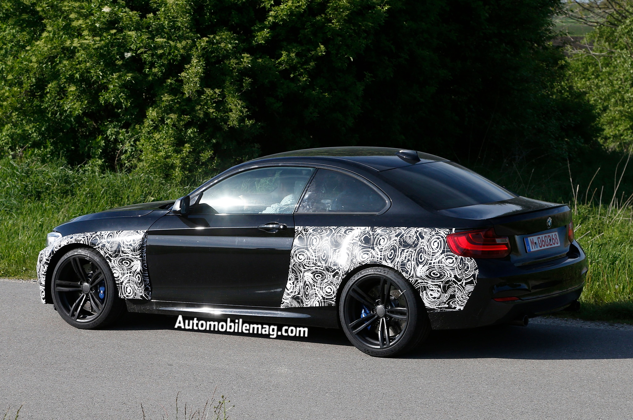 2016 bmw m2 spied. Black Bedroom Furniture Sets. Home Design Ideas
