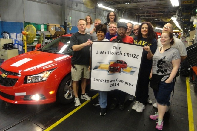 Chevrolet Cruze One Millionth At Lordstown Complex1 660x438