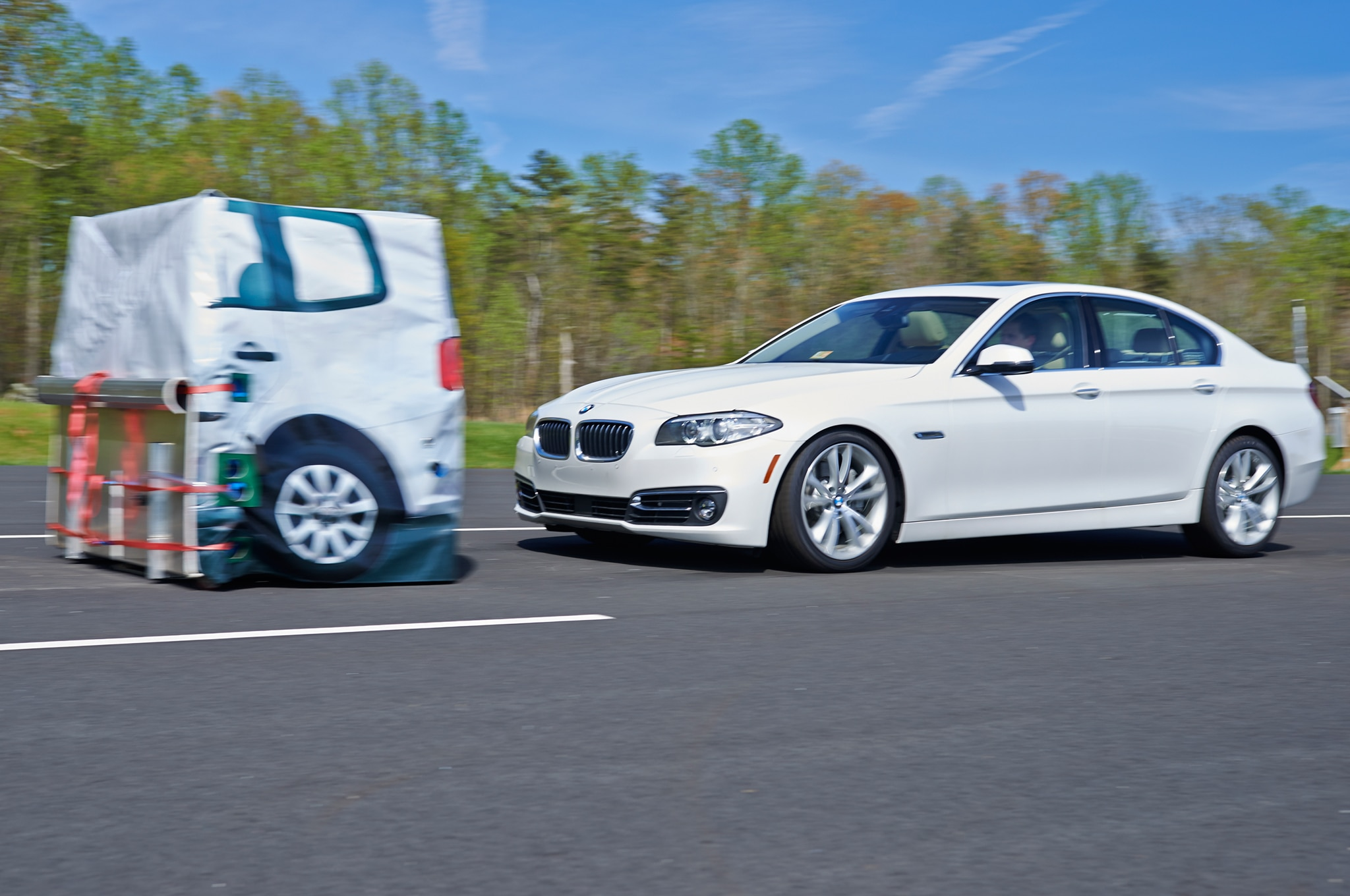 IIHS Front Crash Prevention 2014 BMW 5 Series1