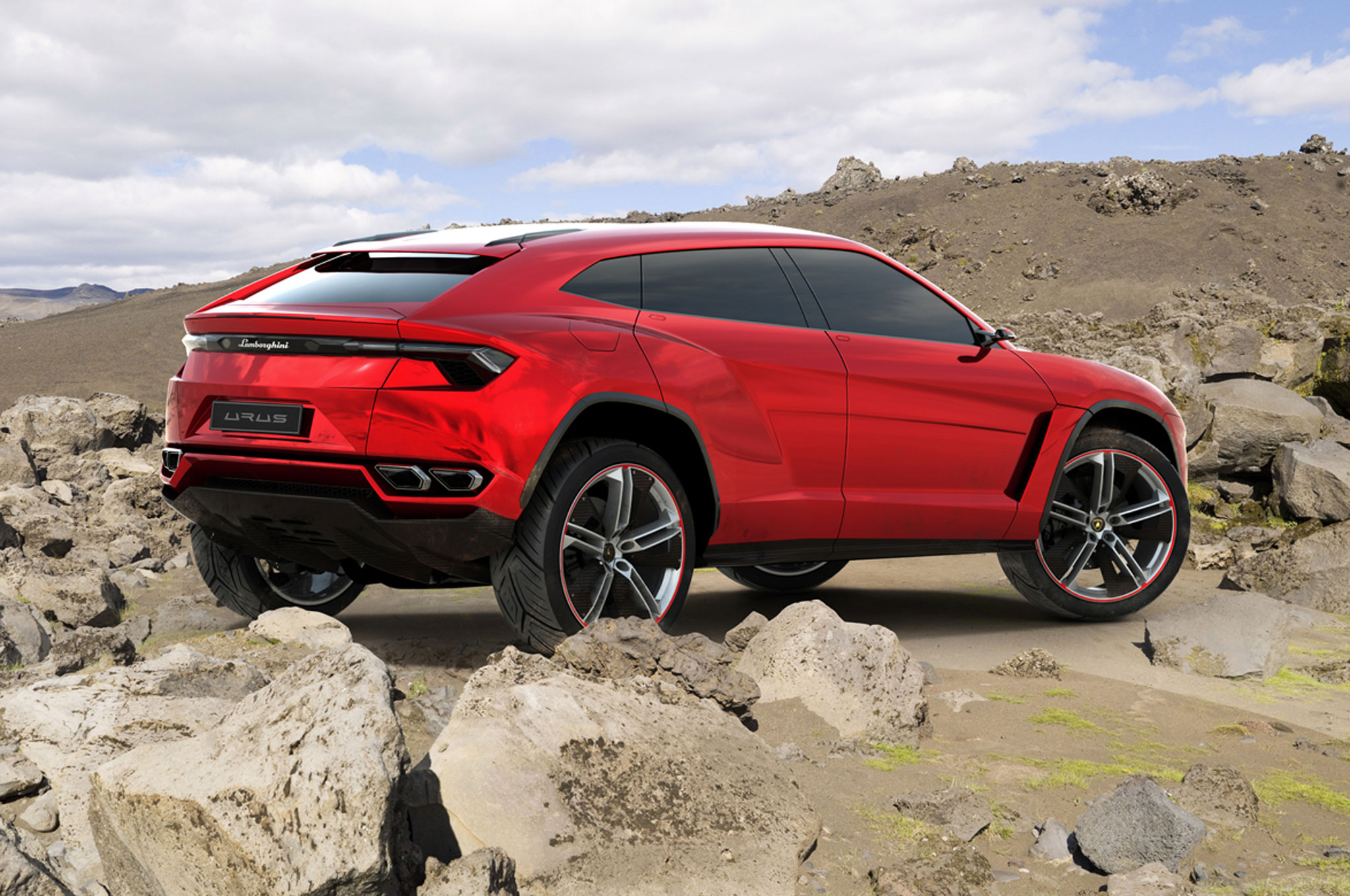 Lamborghini Urus Prototype Right Rear View1