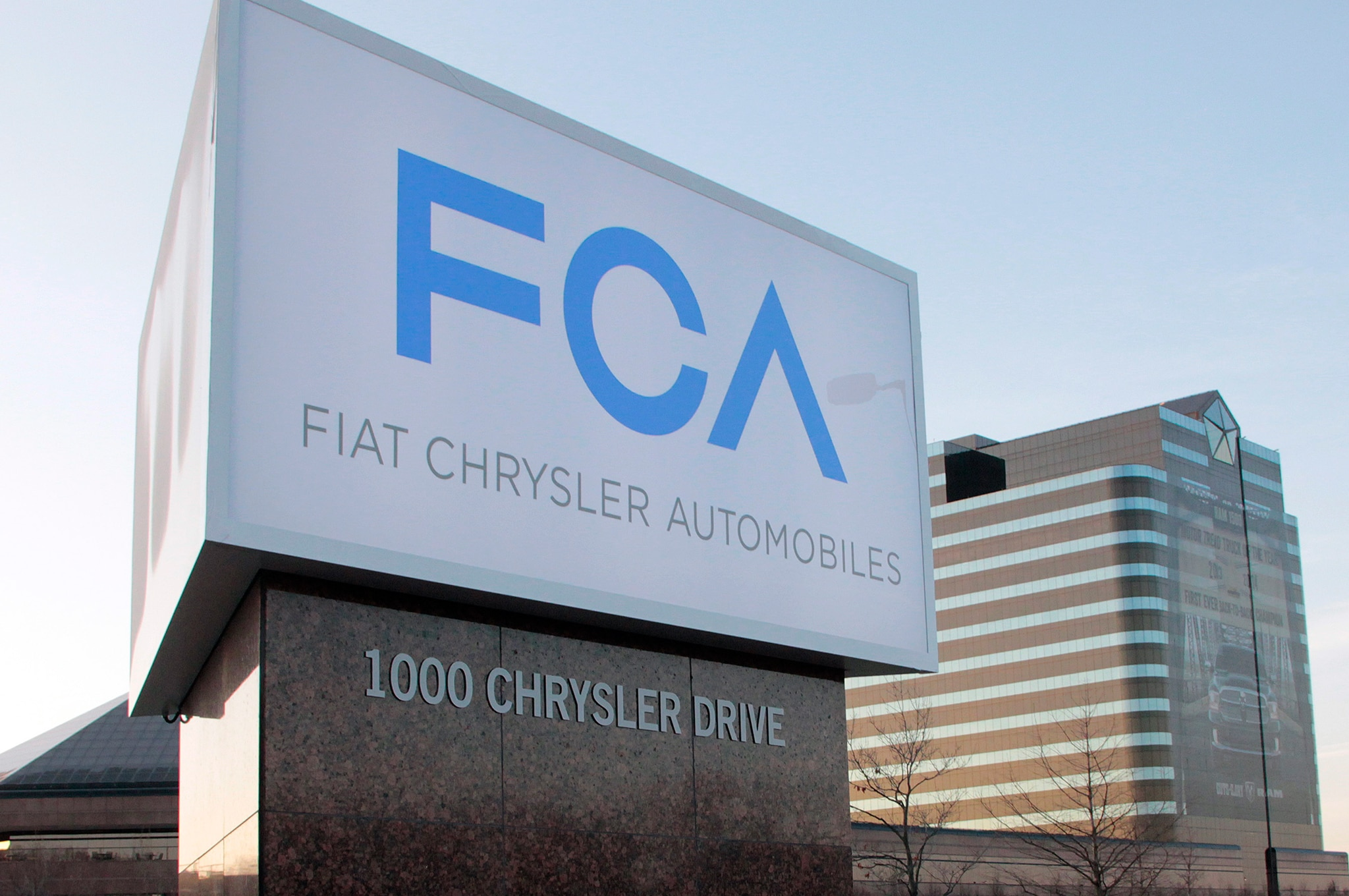 Fiat Chrysler Automobiles New Sign Complete
