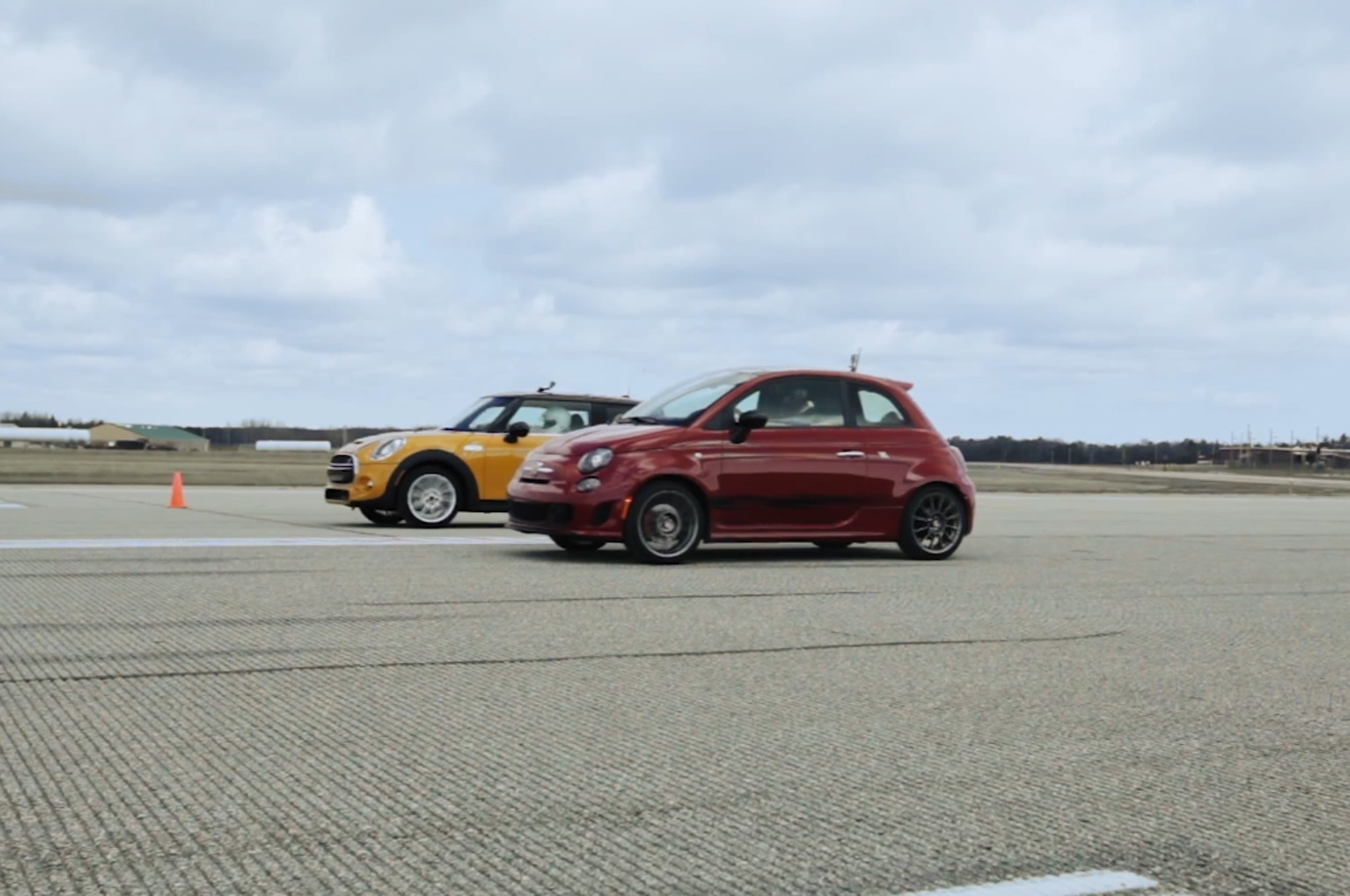 Fiat Vs Mini Standing Mile 011