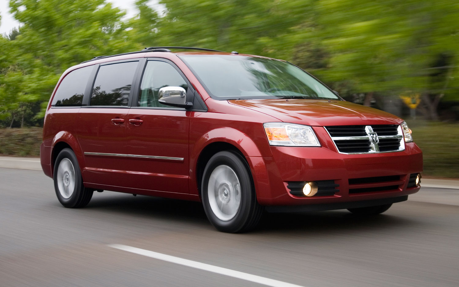2008 Dodge Grand Caravan Front Three Quarter1