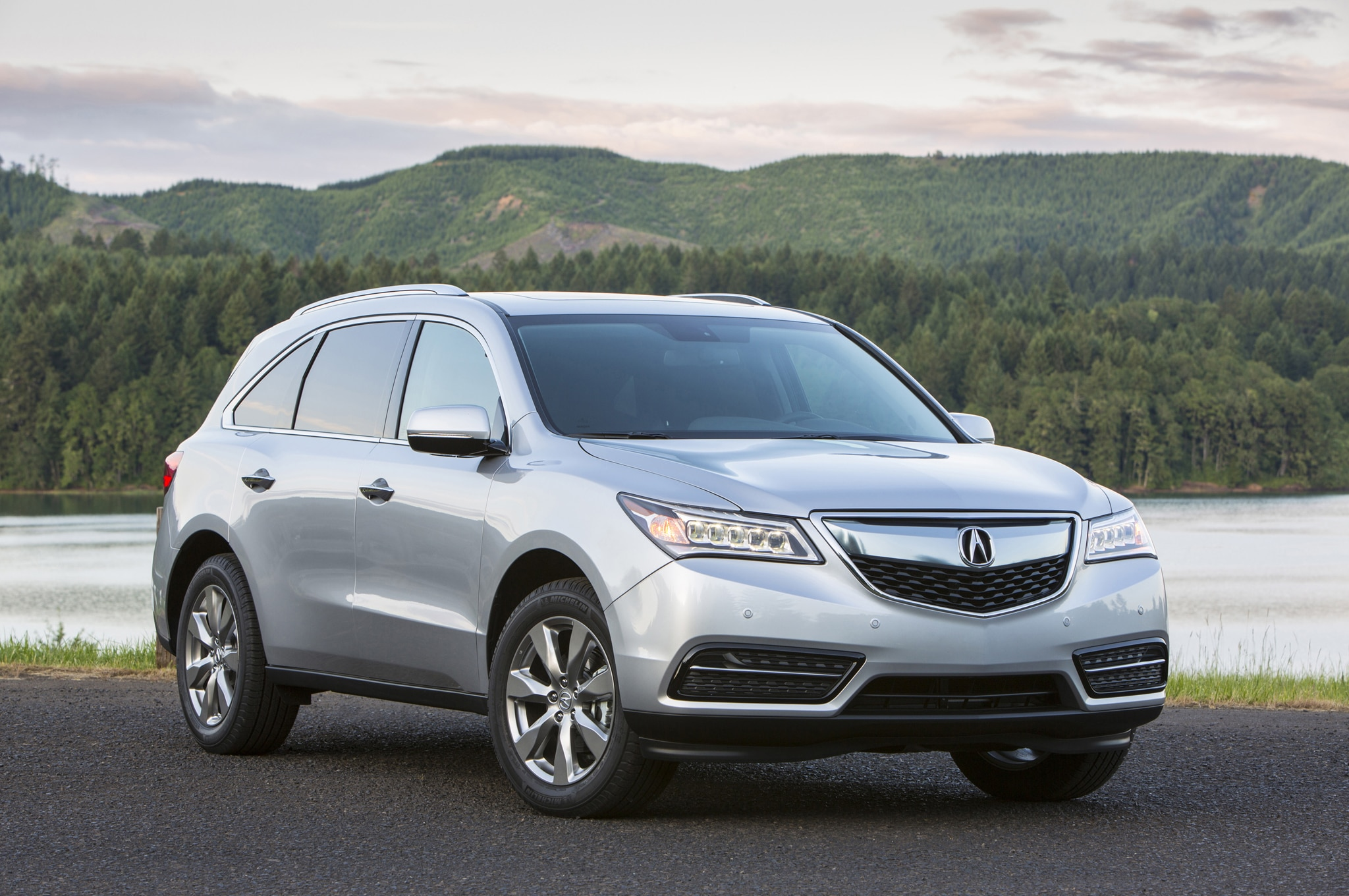 2014 Acura MDX Front Three Quarter1