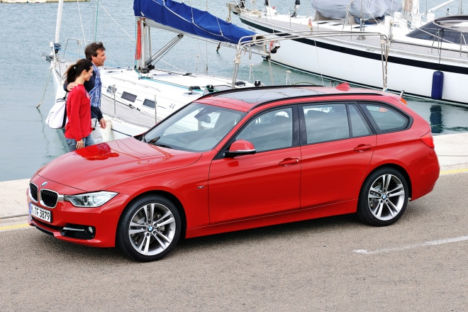 2014 BMW 3 Series Sports Wagon Three Quarters View 111 660x440