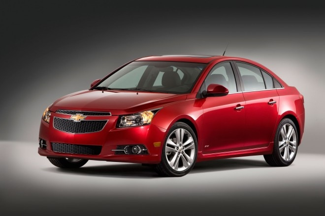 2014 Chevrolet Cruze RS Front Drivers Side2 660x440