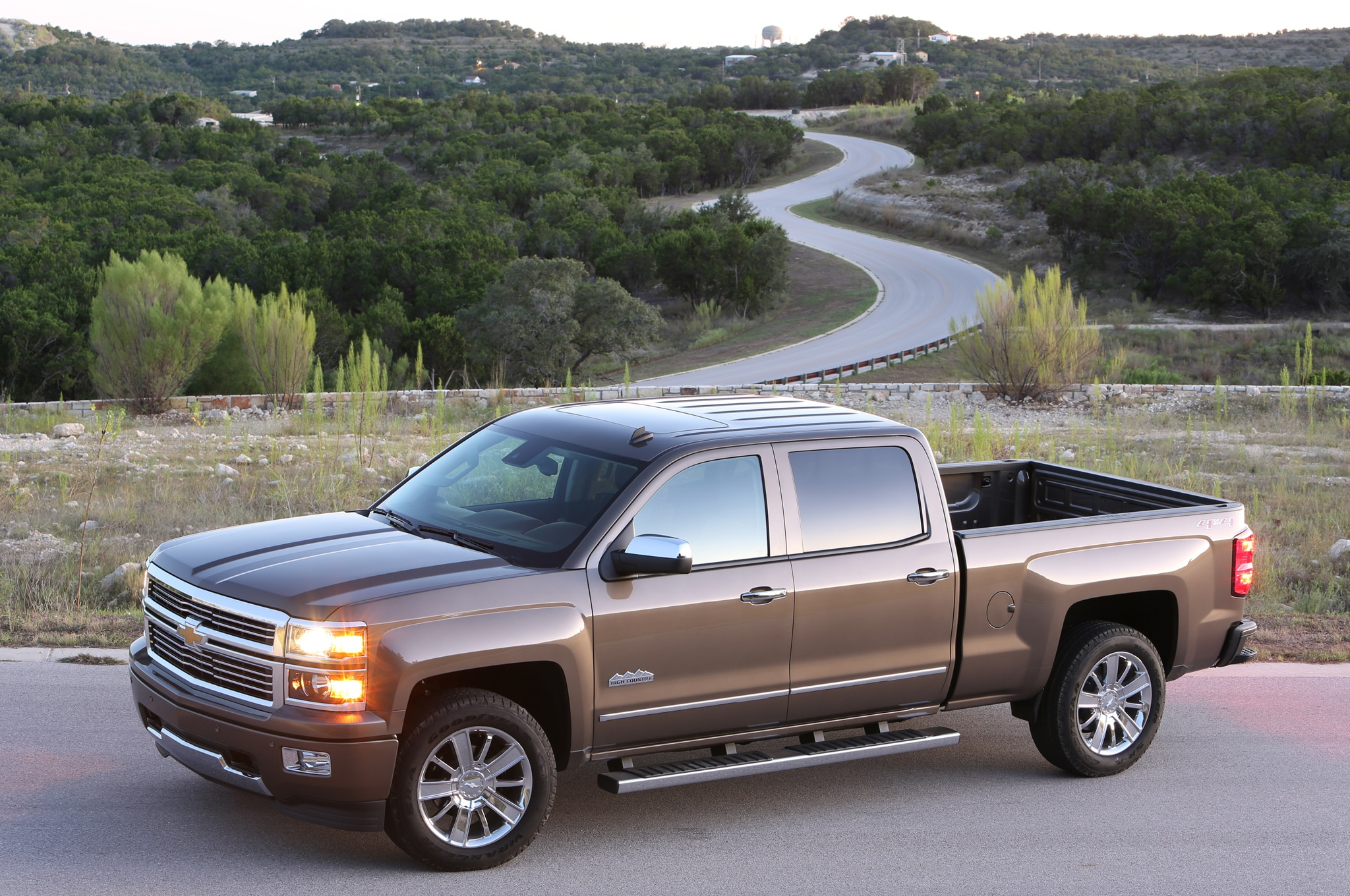 2014 Chevrolet Silverado High Country Front Drivers Side View1