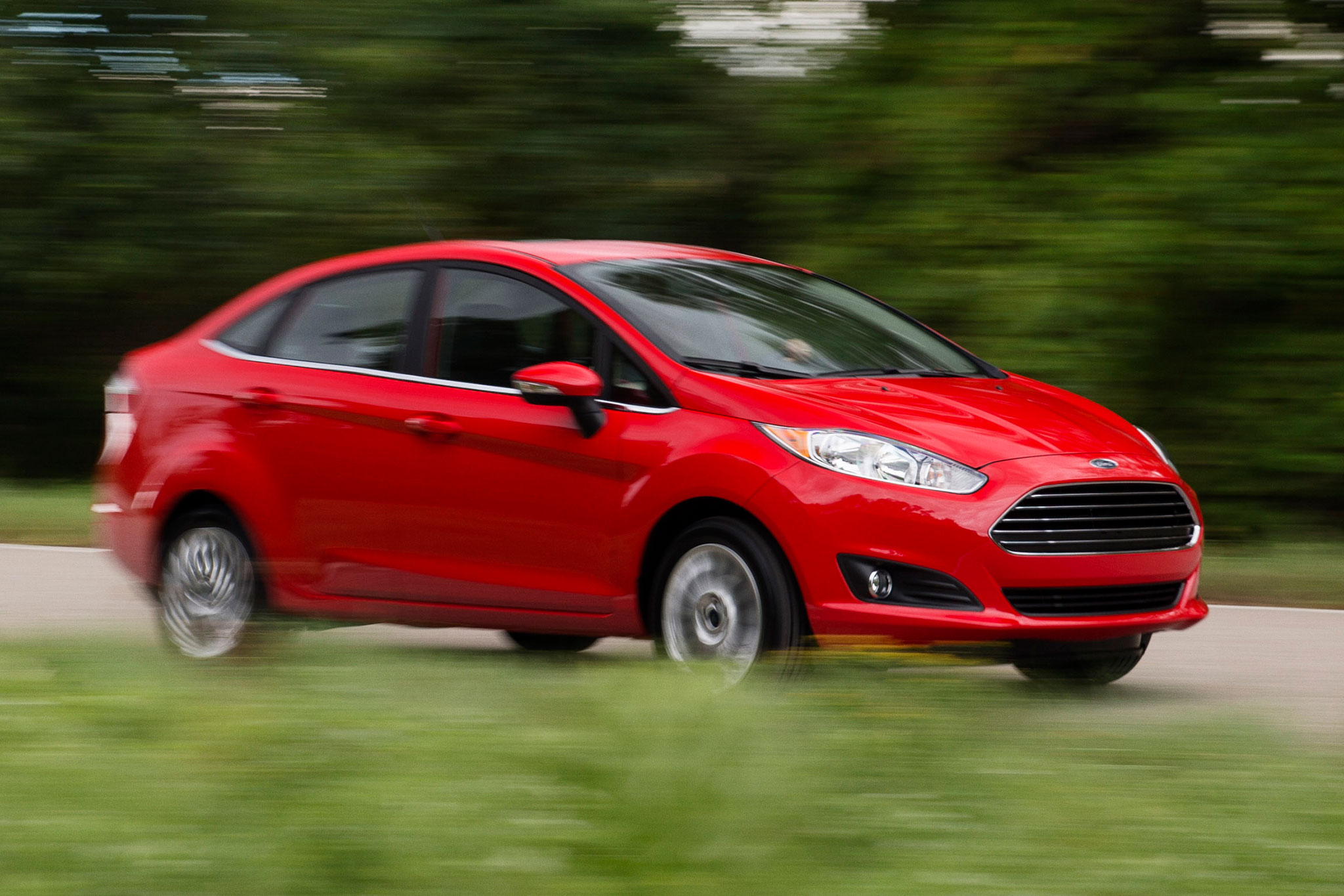 ford lowers mpg rating for 2013 14 hybrids fiesta. Black Bedroom Furniture Sets. Home Design Ideas