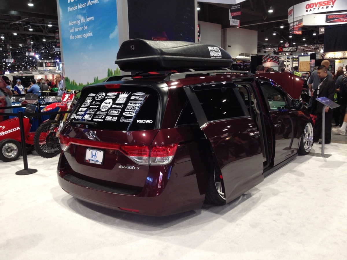 Watch this 1029 hp honda odyssey do burnouts for 1000hp honda odyssey