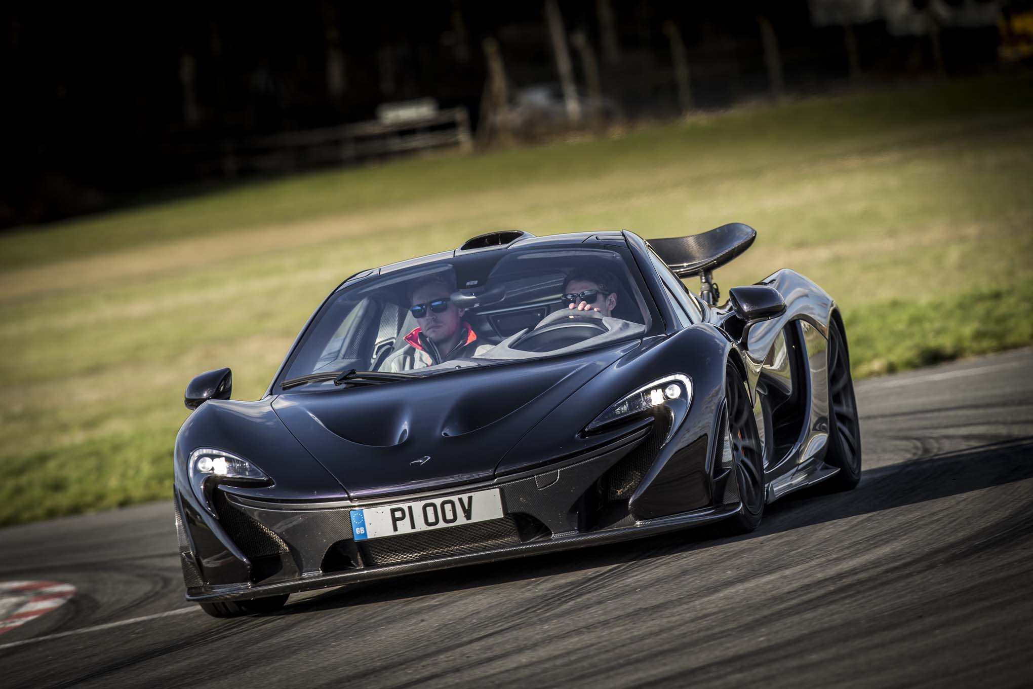 2014 Mclaren P1 Black Front End In Motion 061