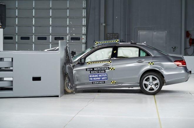 2014 Mercedes Benz E Class IIHS During Crash Side View1 660x438