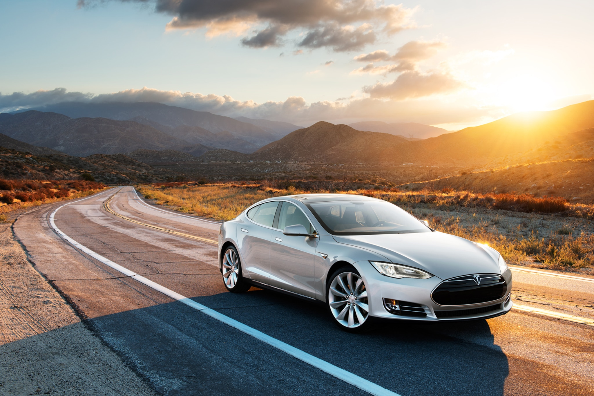 2014 Tesla Model S Front Passengers Above View1