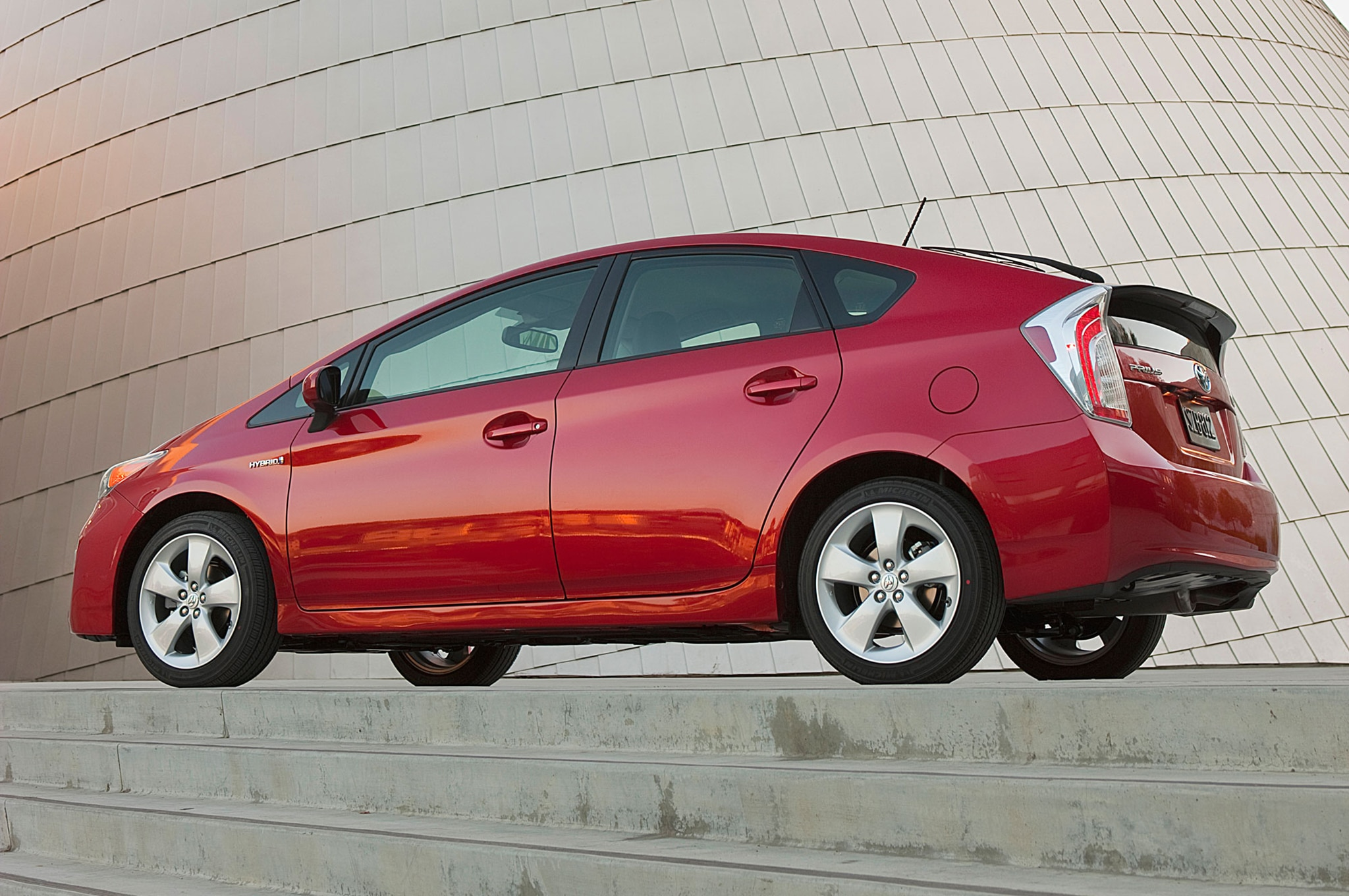2014 Toyota Prius Three Quarters Side View 0011
