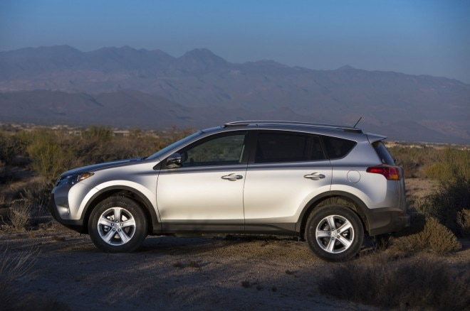 2014 Toyota RAV4 XLE Side View 660x438