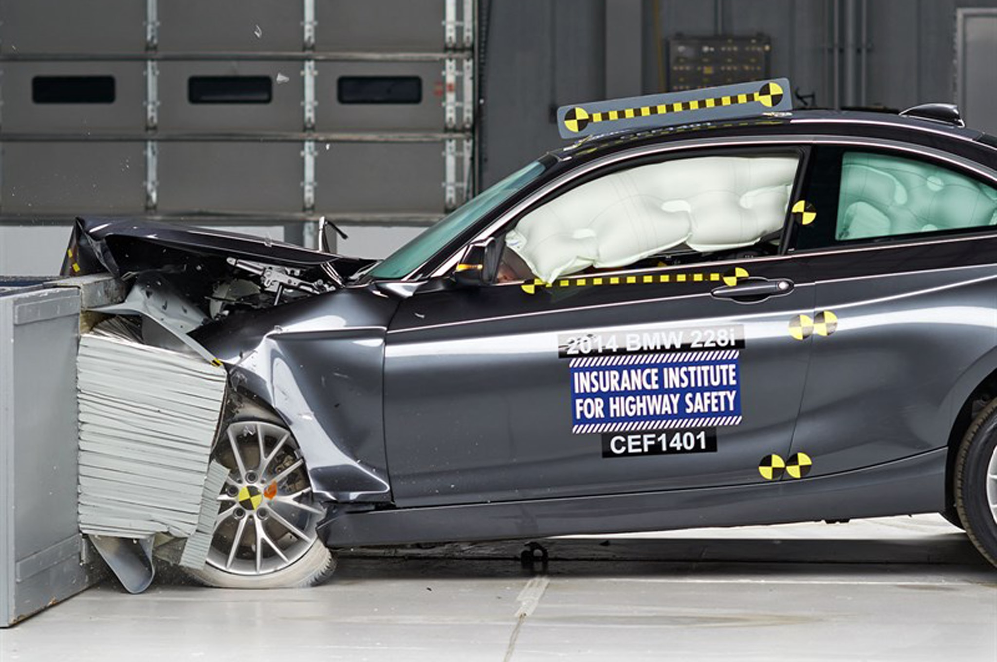 2014 Bmw 2 Series Iihs Moderate Overlap1
