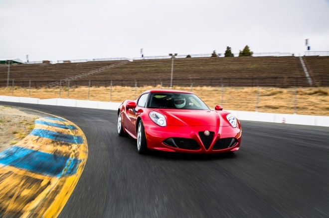 2015 Alfa Romeo 4C Front Three Quarter Turn1 660x438