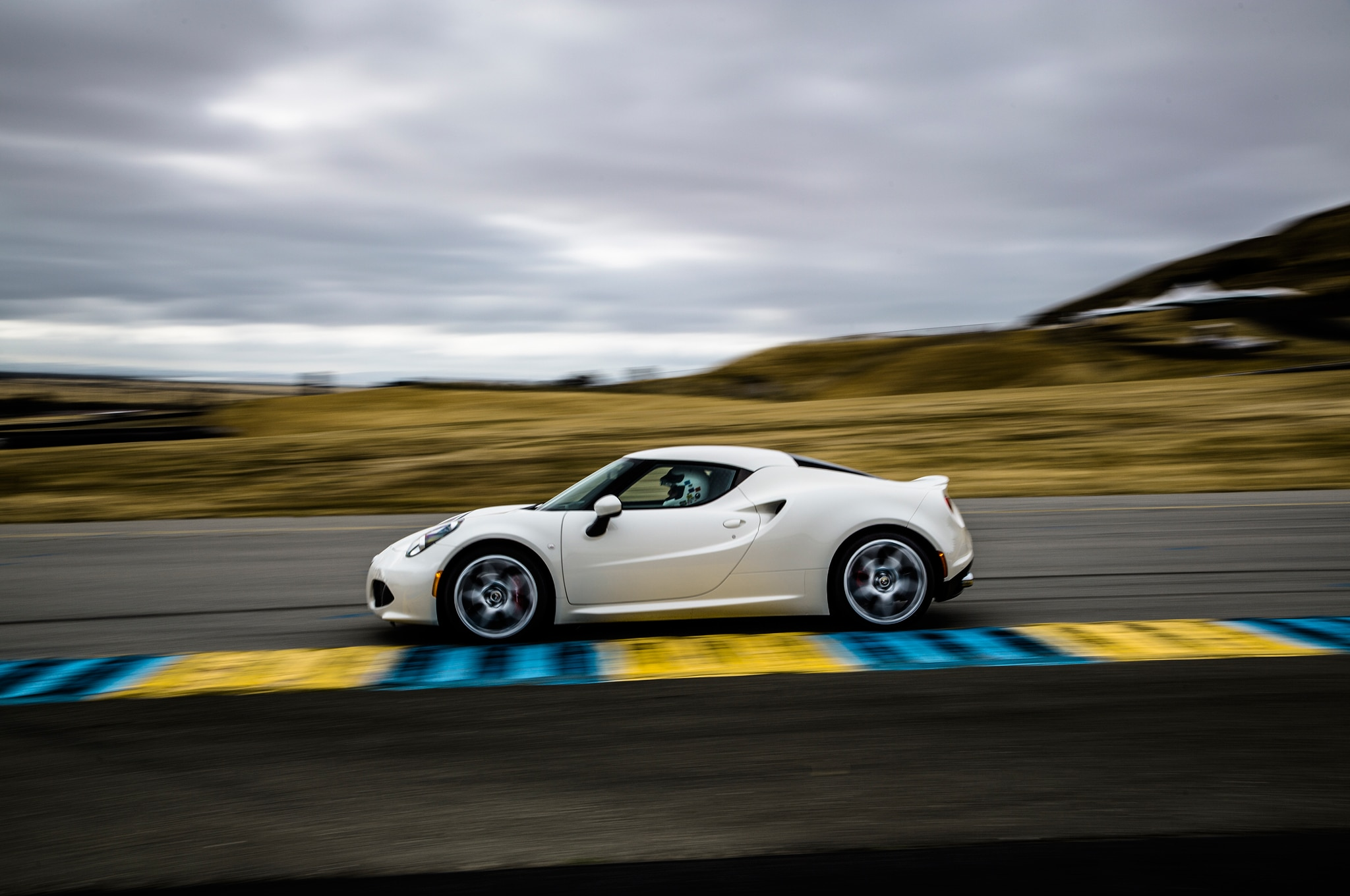 2015 Alfa Romeo 4C Launch Edition Side In Motion 022