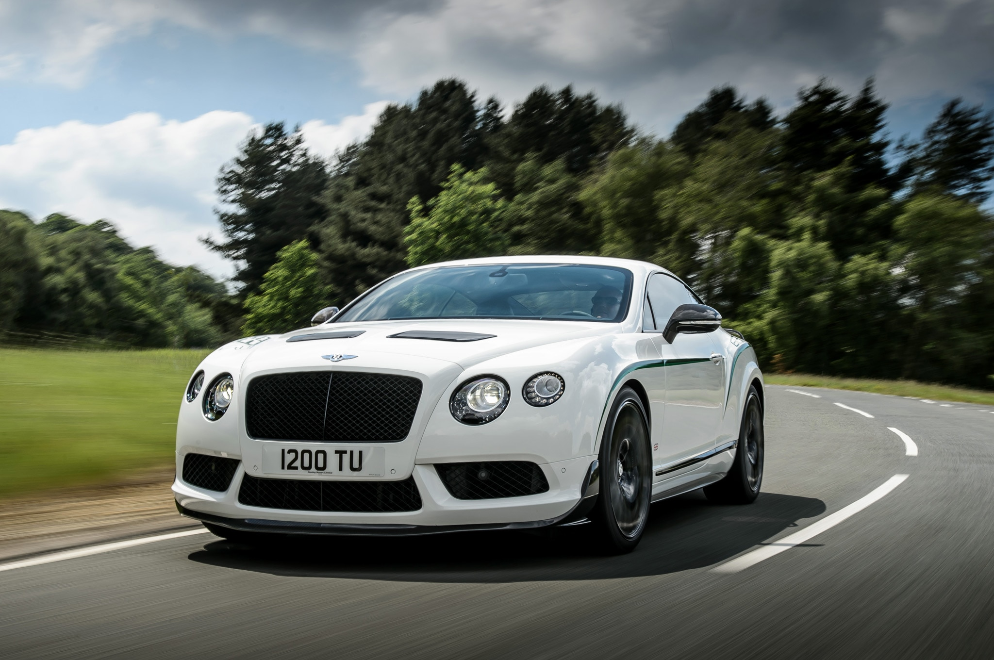 2015 Bentley Continental GT3 R Front Three Quarter View