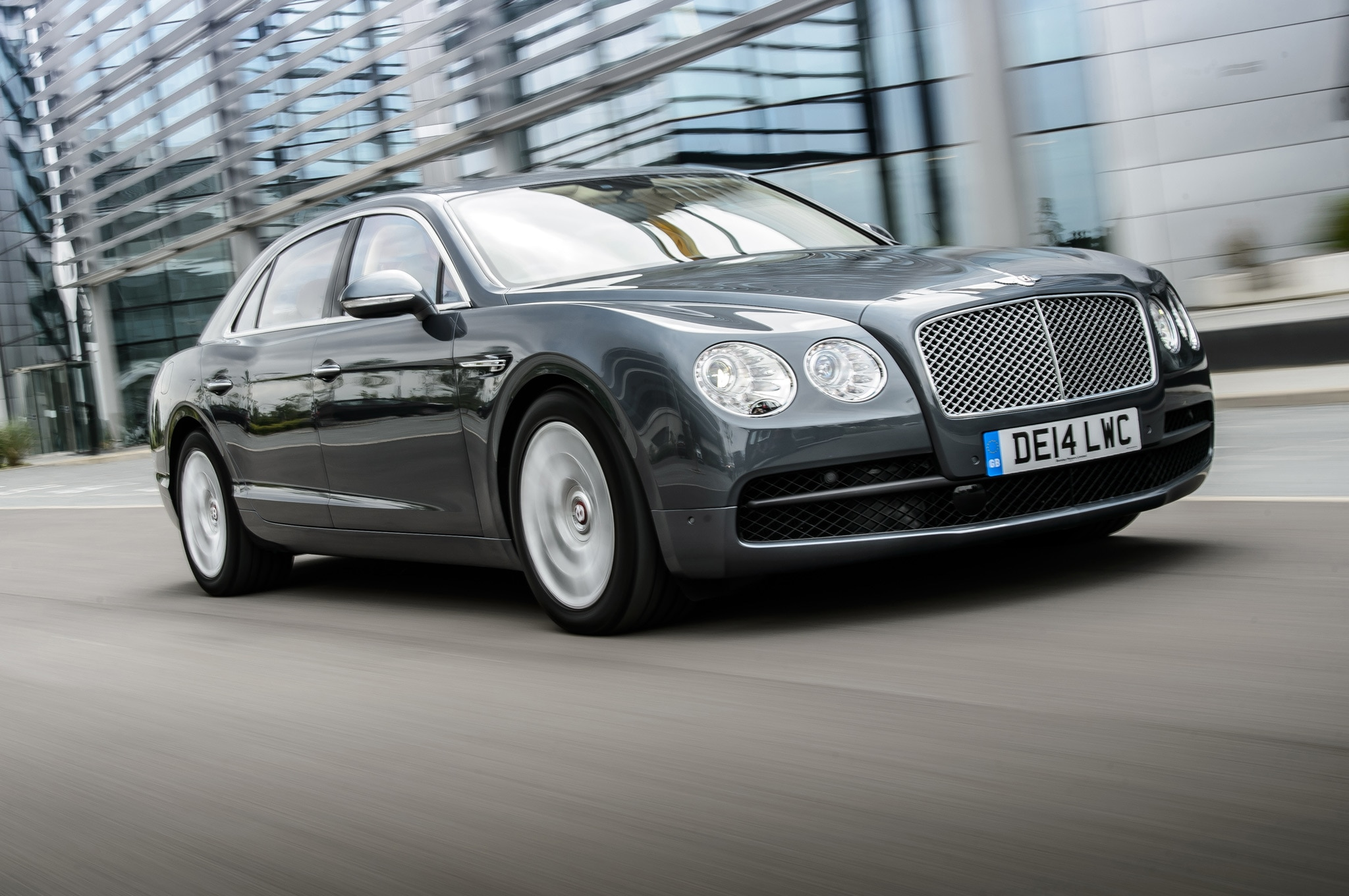 2015 Bentley Flying Spur V8 Front Side Motion View 2