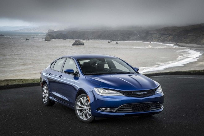 2015 Chrysler 200S Front Three Quarter1 660x440