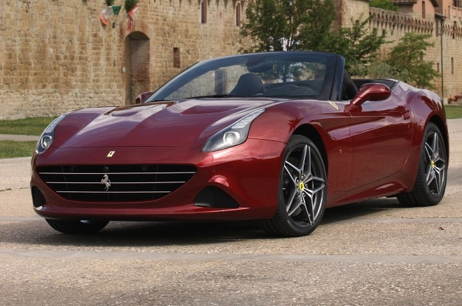 2015 Ferrari California T Front Side View 660x438