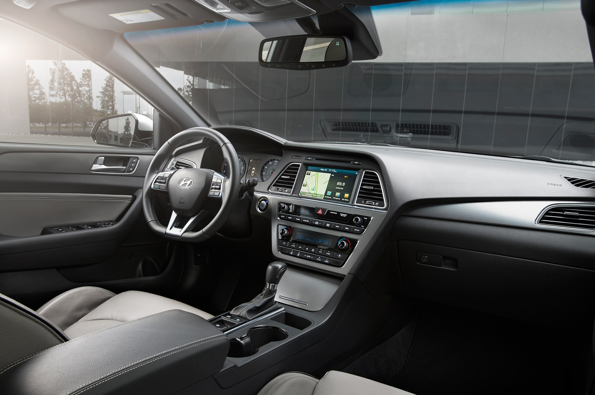 2015 Hyundai Sonata Se Interior Images Galleries With A Bite