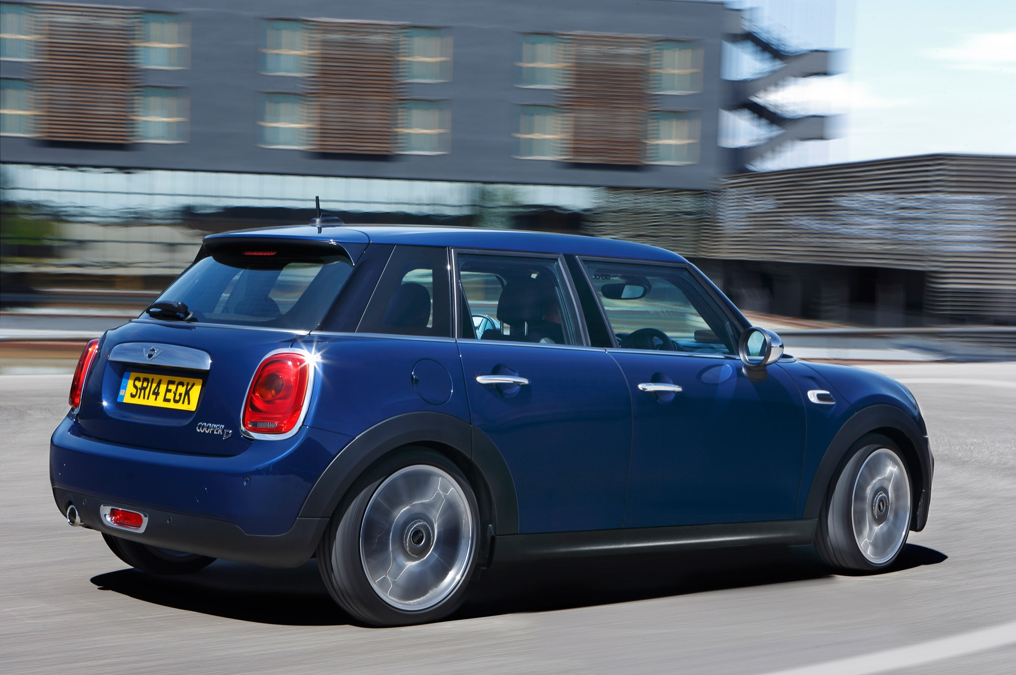 2015 Mini Cooper Hardtop 4 Door Rear Three Quarter Motion