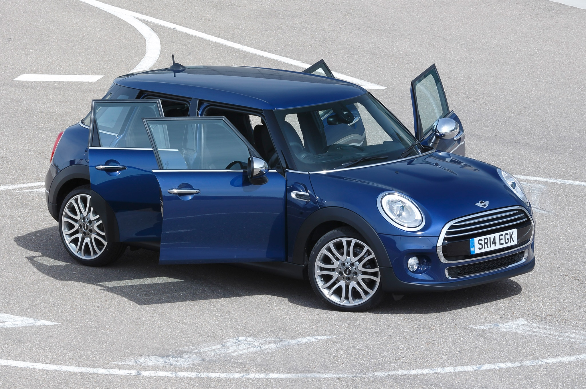 2015 mini cooper 4 door announced automobile magazine. Black Bedroom Furniture Sets. Home Design Ideas