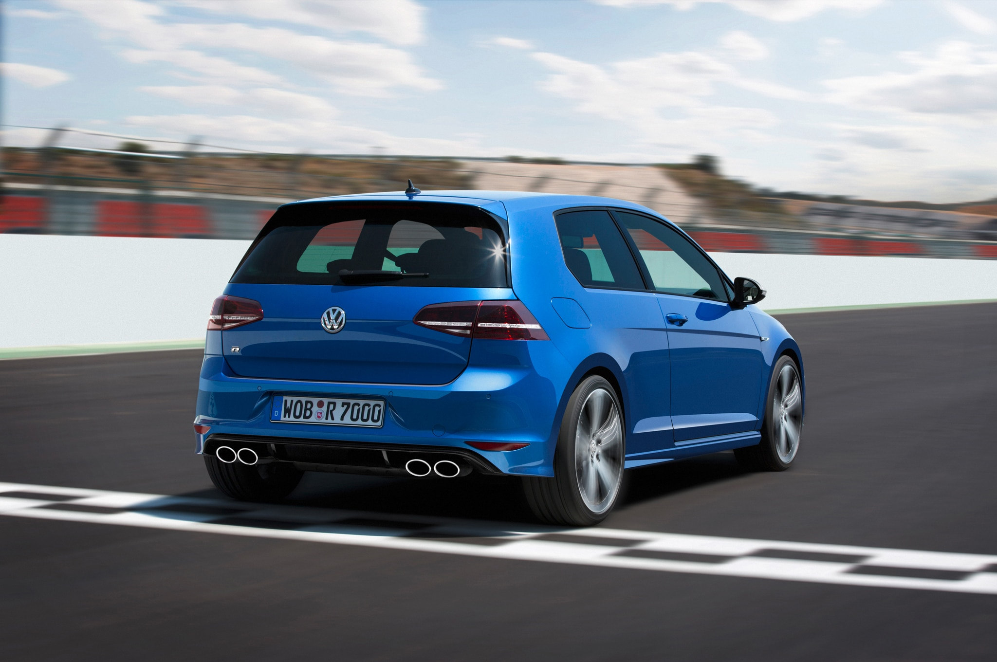 2015 volkswagen golf r review automobile magazine. Black Bedroom Furniture Sets. Home Design Ideas