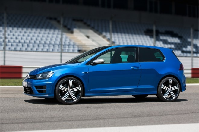 2015 Volkswagen Golf R Side Profile 660x438