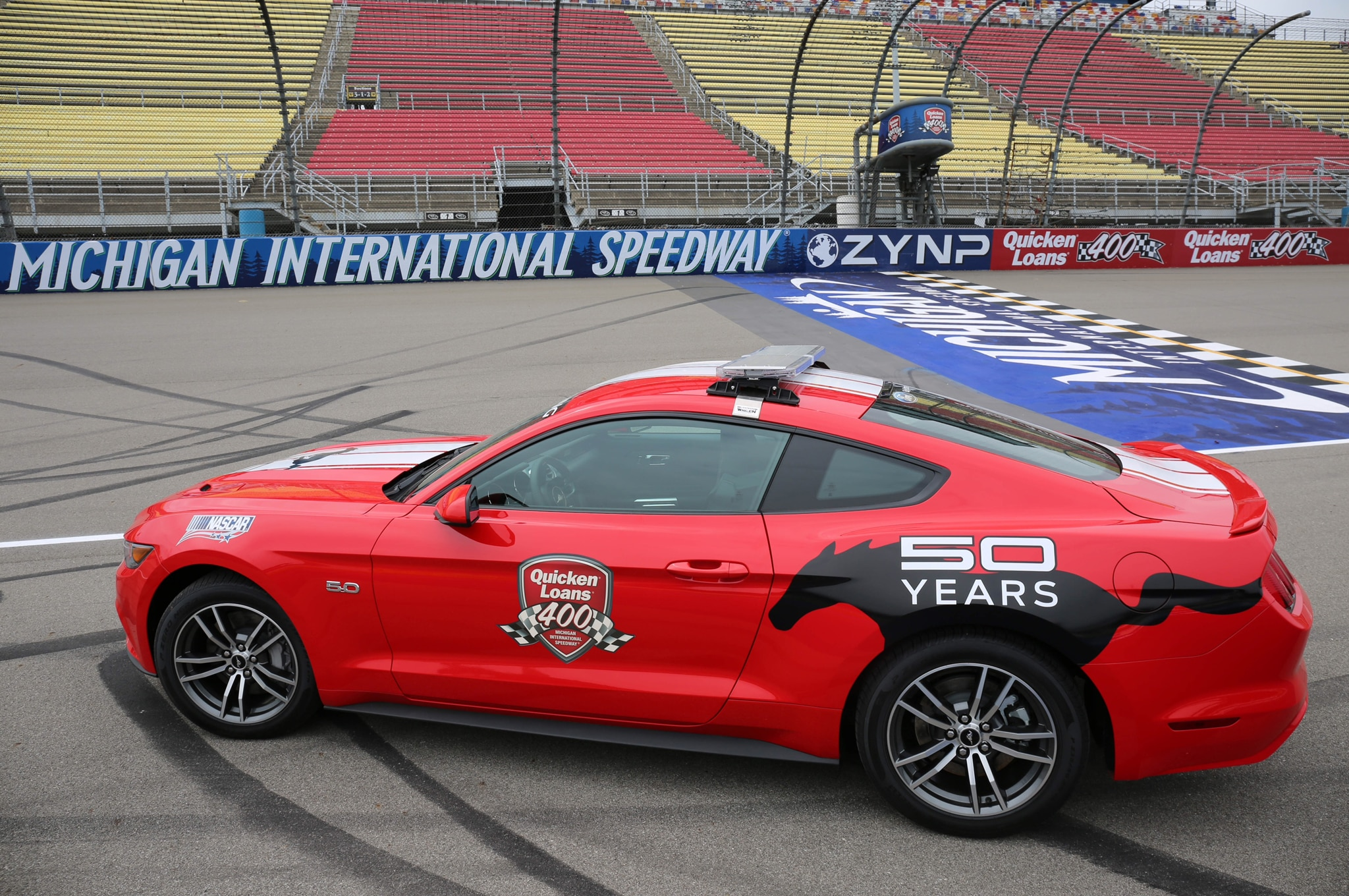 2015 ford mustang pace car debuts for quicken loans 400 automobile. Black Bedroom Furniture Sets. Home Design Ideas
