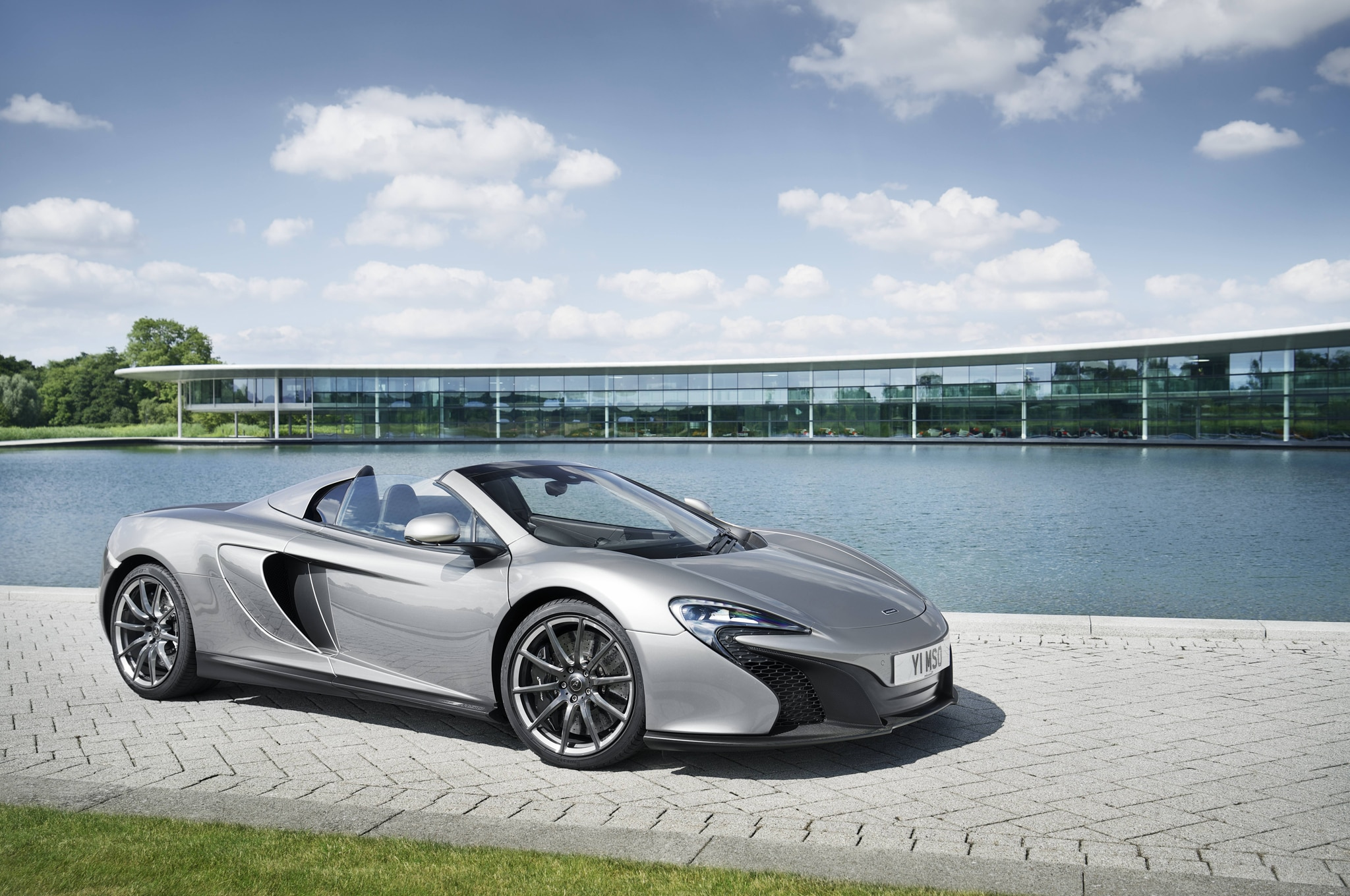 2015 Mclaren Mso 650s Spider 1 Front Three Quarter1