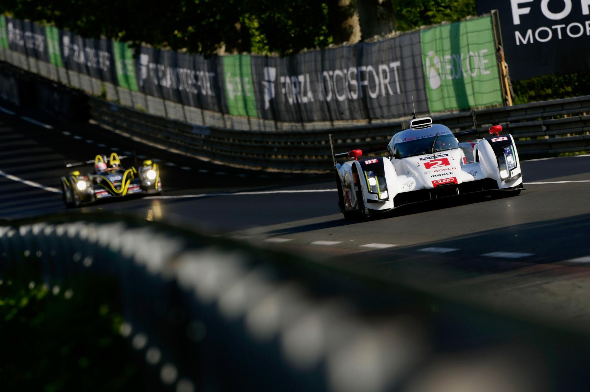 24 Hours Of Le Mans Audi R18 E Tron Quattro Front End In Motion1