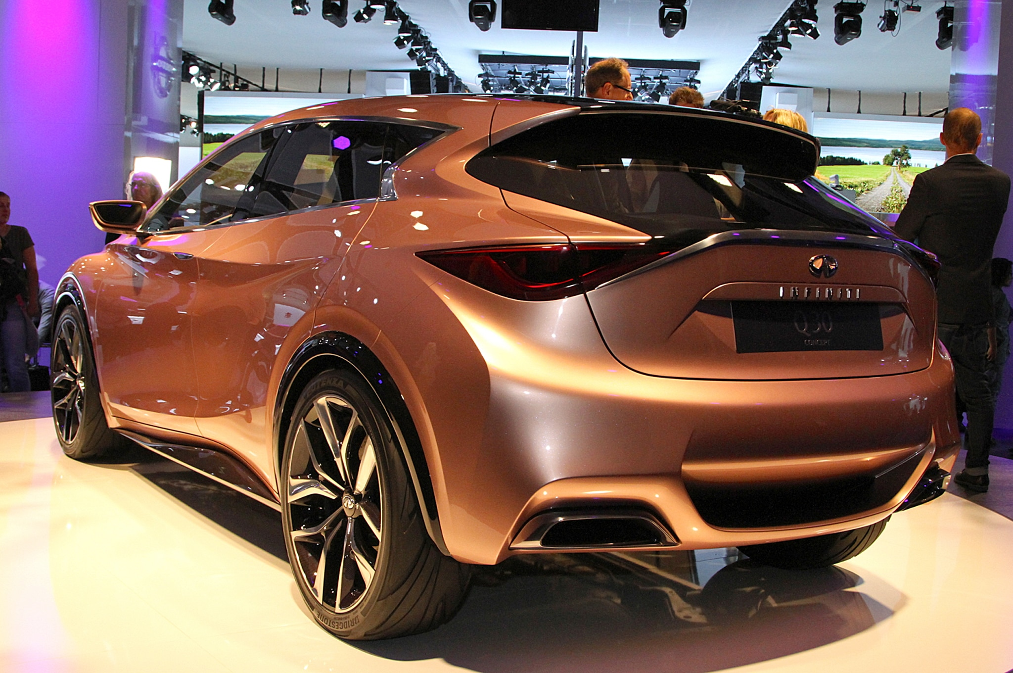 infiniti q30 compact and qx30 crossover coming next year. Black Bedroom Furniture Sets. Home Design Ideas