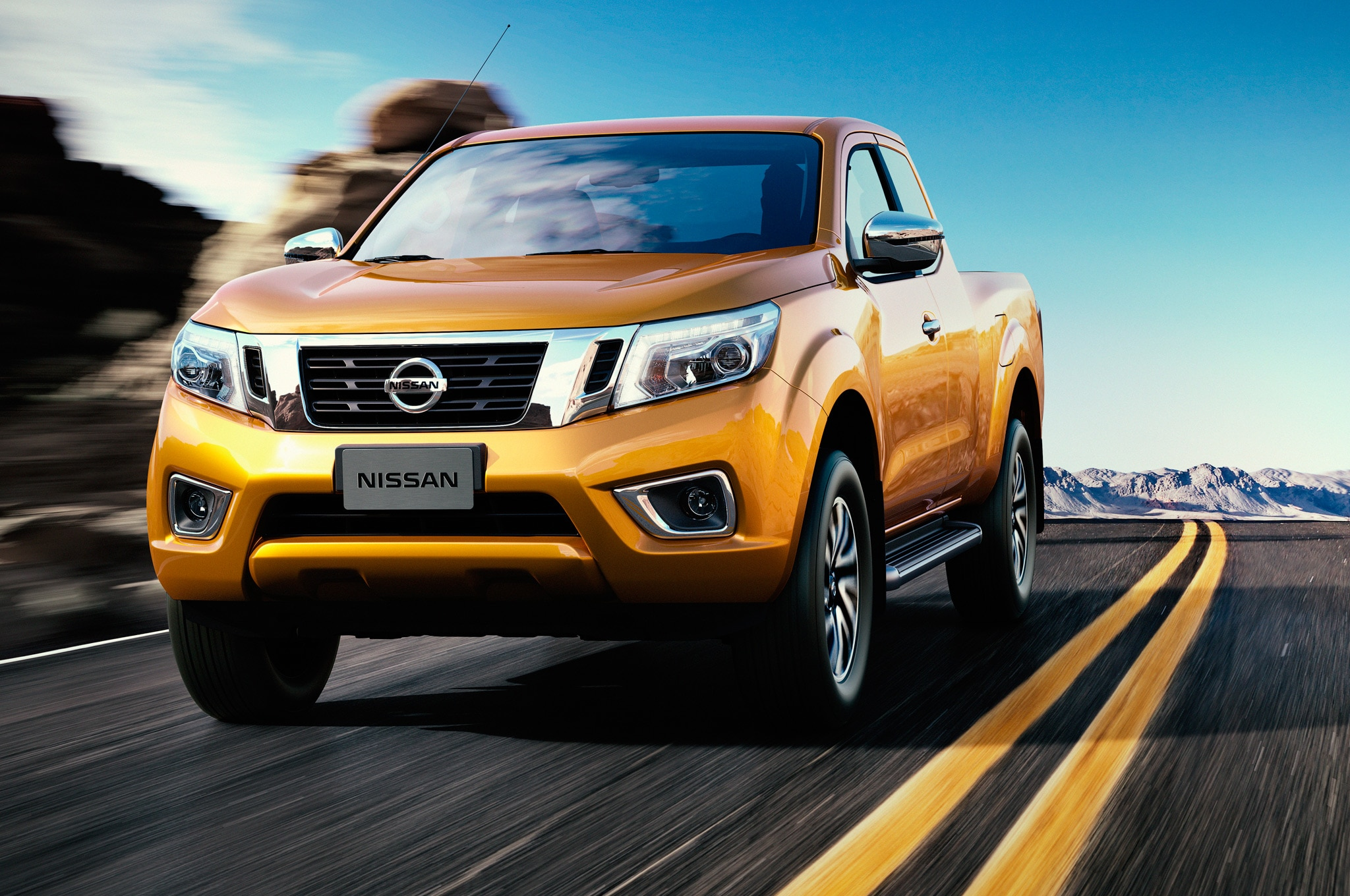 Nissan NP300 Navara 12th Gen King Cab Front Motion View1