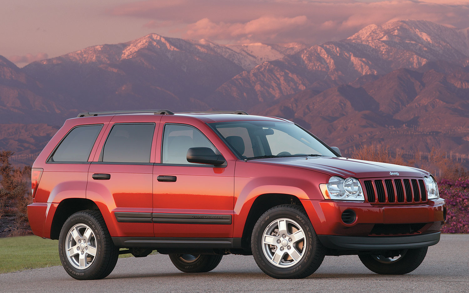 jeep grand cherokee commander recalled for ignition switch problem. Black Bedroom Furniture Sets. Home Design Ideas
