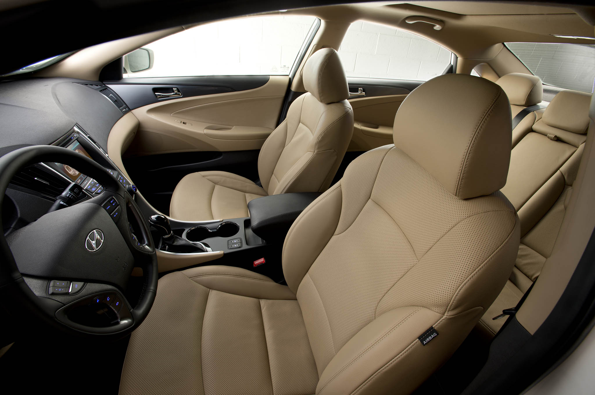Outgoing hyundai sonata hybrid continues for 2015 model year - 2015 hyundai sonata interior pictures ...