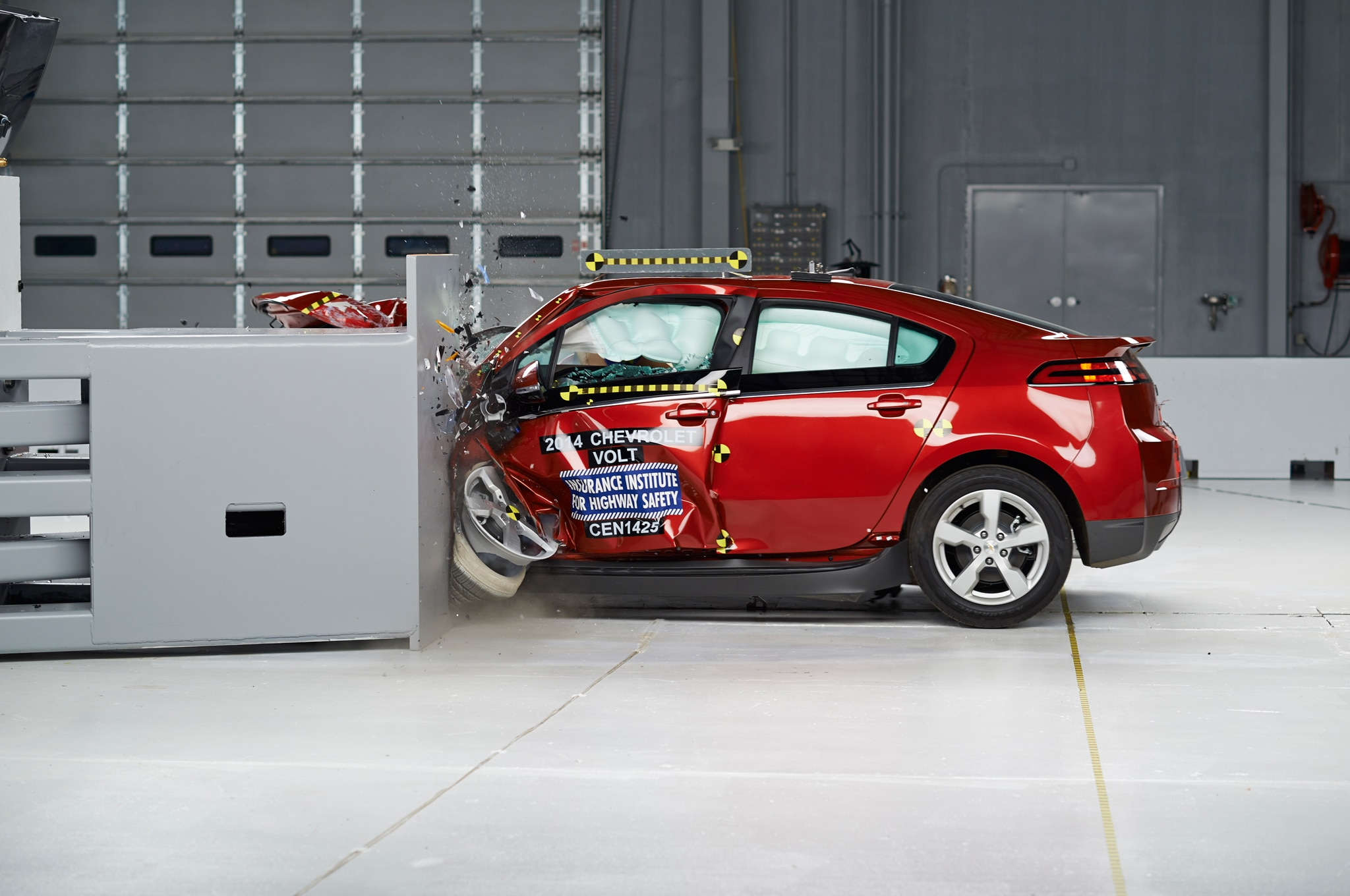 2014 Chevrolet Volt IIHS Small Overlap Side Test Crash1