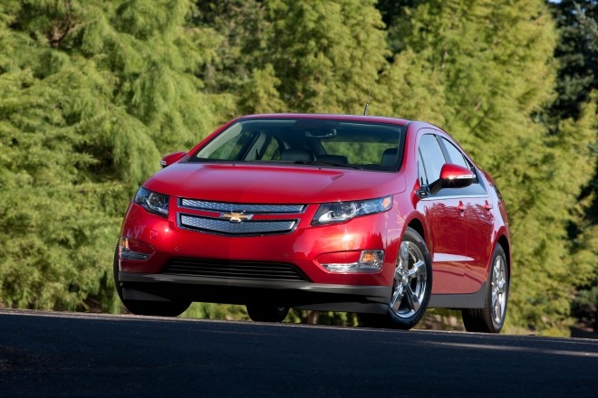 2014 Chevrolet Volt Front View Low1 660x440