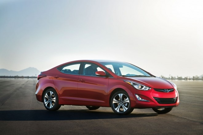 2014 Hyundai Elantra Sport Front Right Side View1 660x438