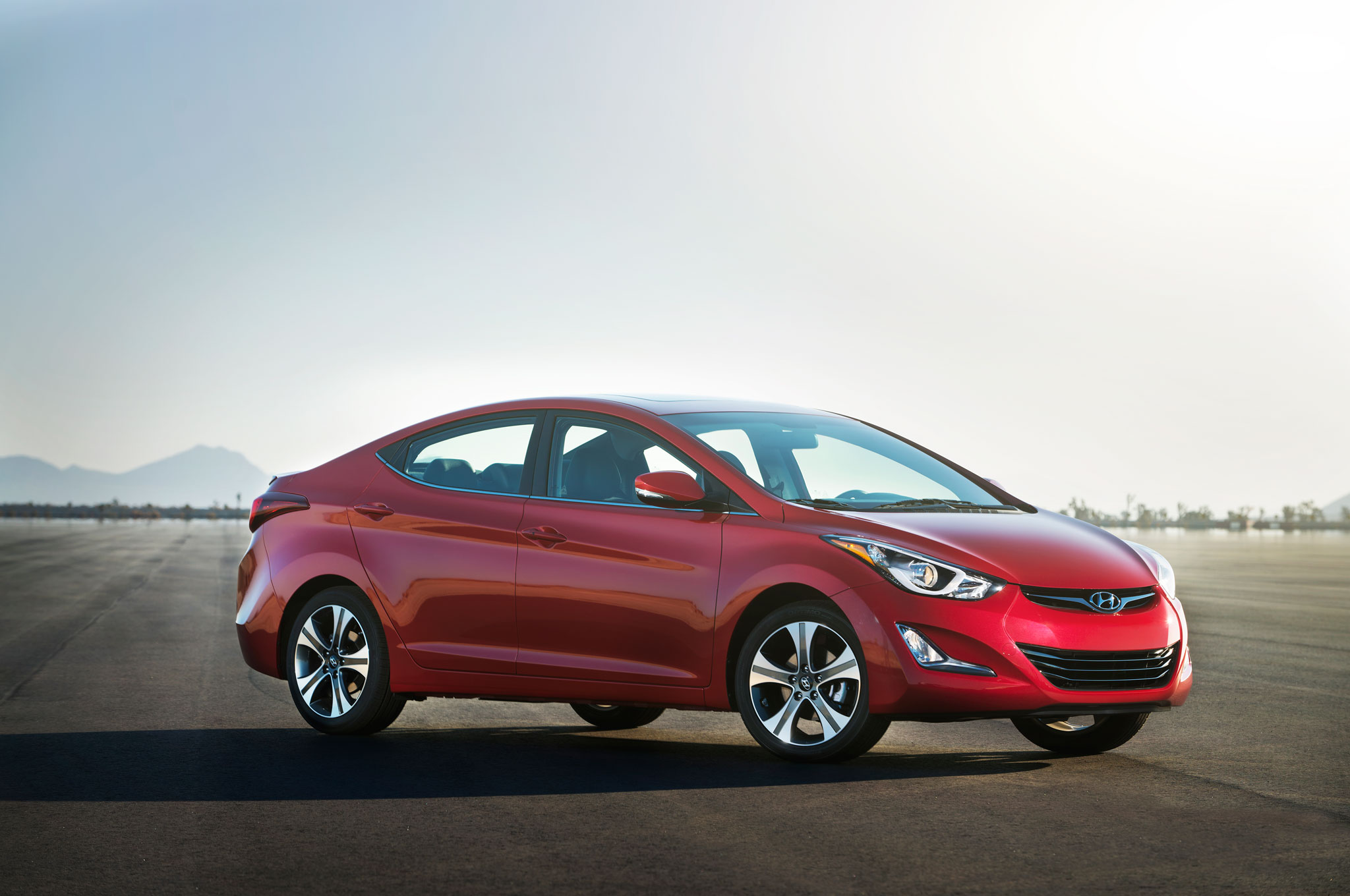 2014 Hyundai Elantra Sport Front Right Side View1