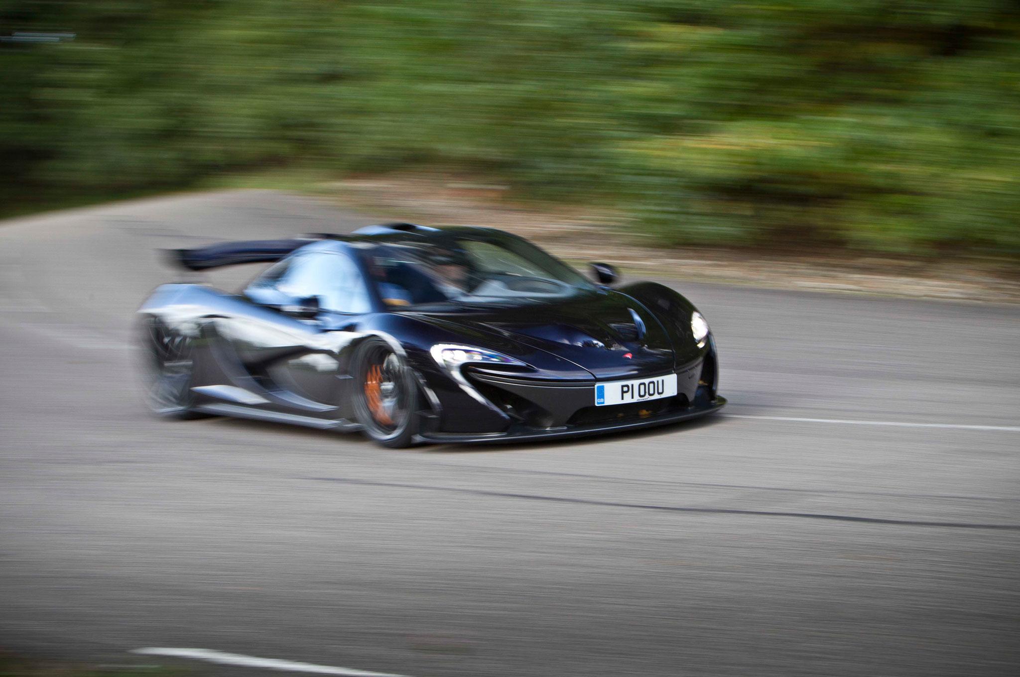 http://st.automobilemag.com/uploads/sites/11/2014/07/2014-Mclaren-P1-front-right-view.jpg