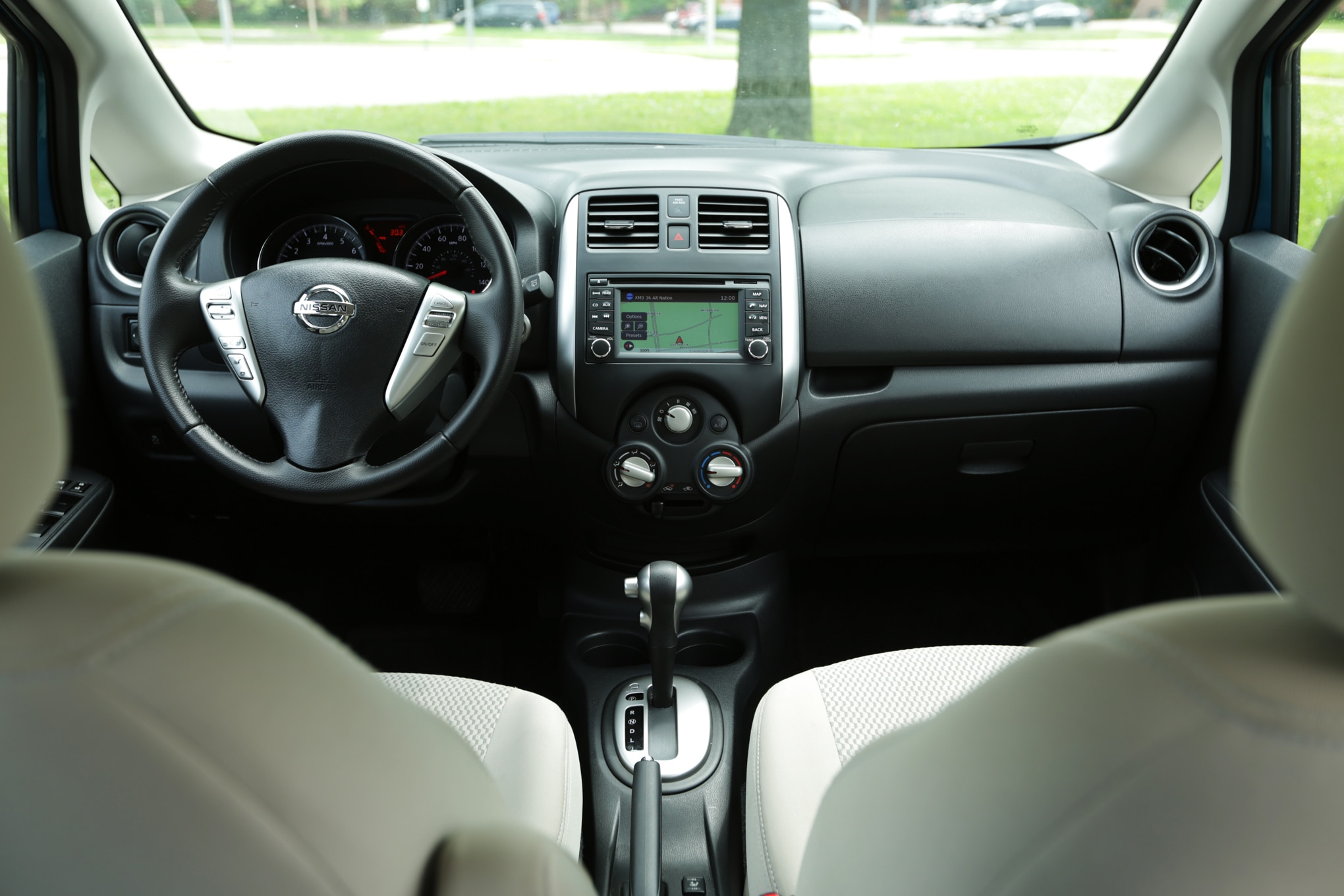 2015 honda fit ex l vs 2014 nissan versa note sl comparison. Black Bedroom Furniture Sets. Home Design Ideas