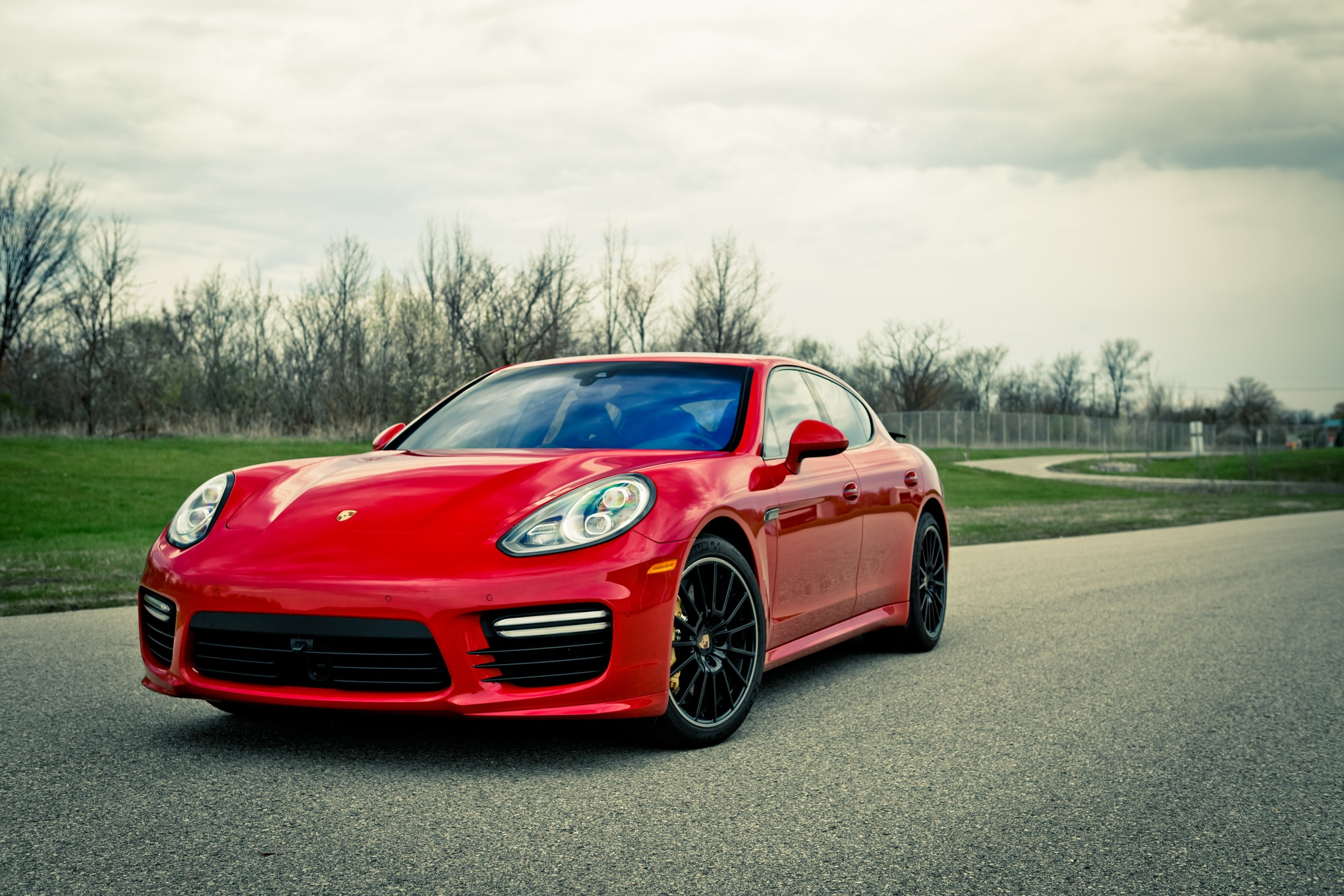 2014 Porsche Panamera Turbo Front Three Quarters