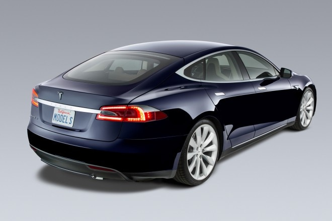 2014 Tesla Model S Rear Three Quarters1 660x440