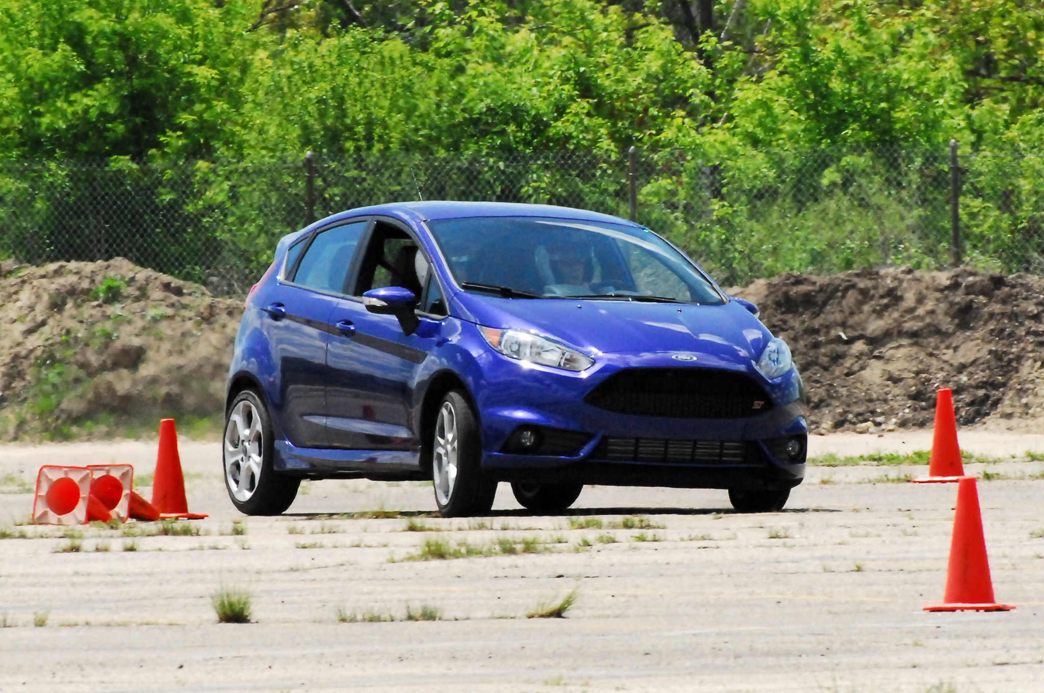 2014 Ford Fiesta St Motion Front Three Quarter 51