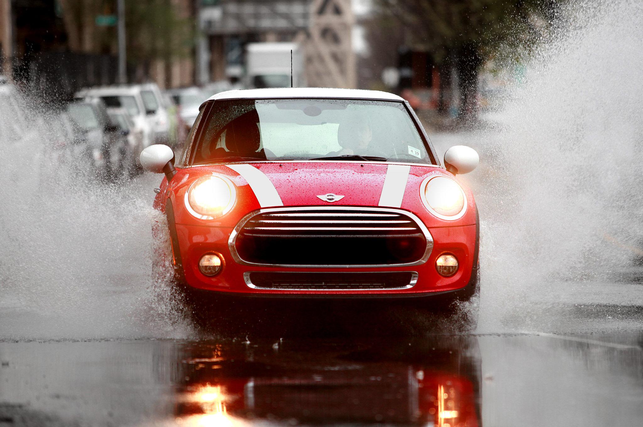2014 Mini Cooper Front Splashing Puddle1