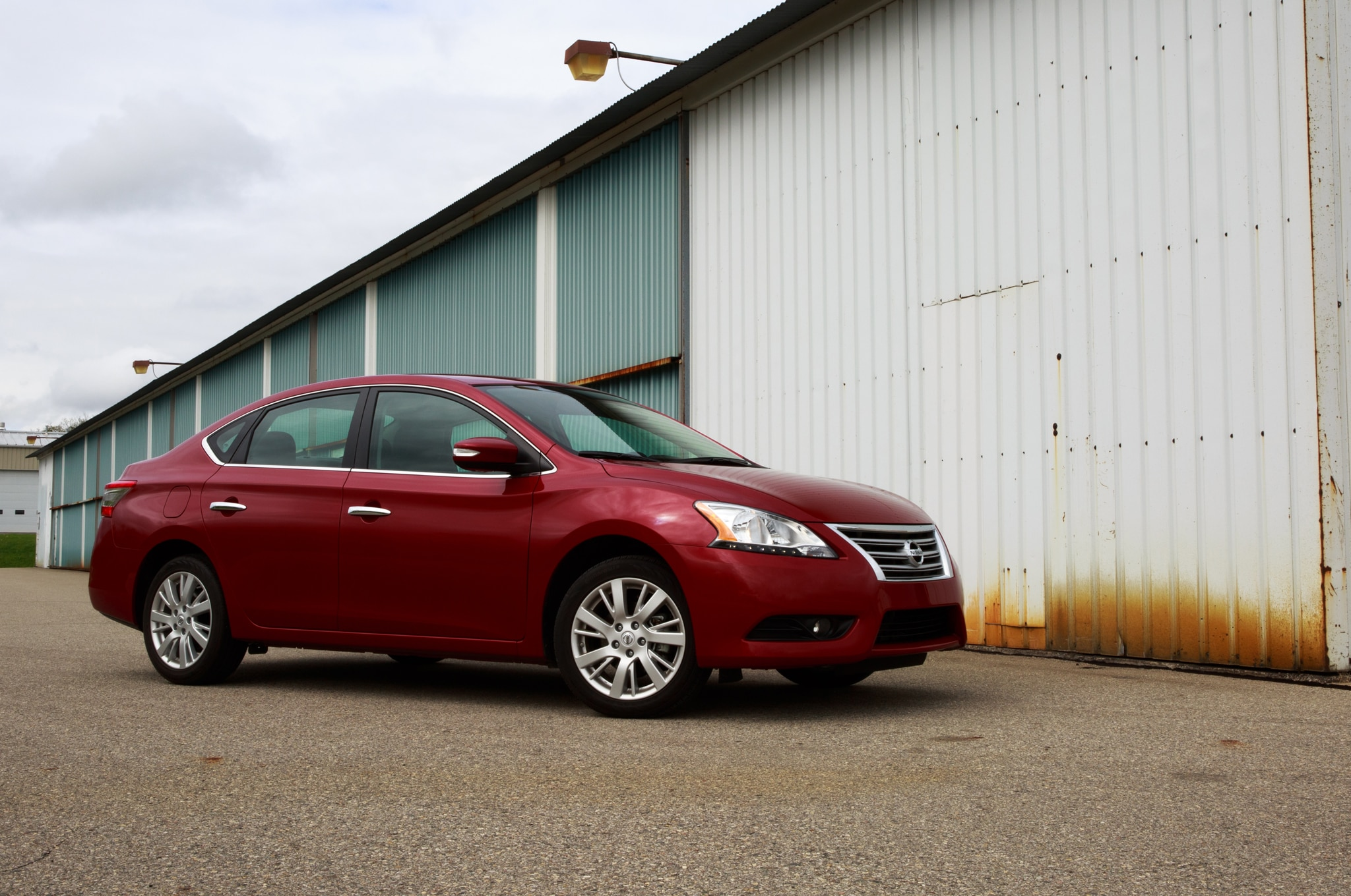 2014 nissan sentra around the block. Black Bedroom Furniture Sets. Home Design Ideas