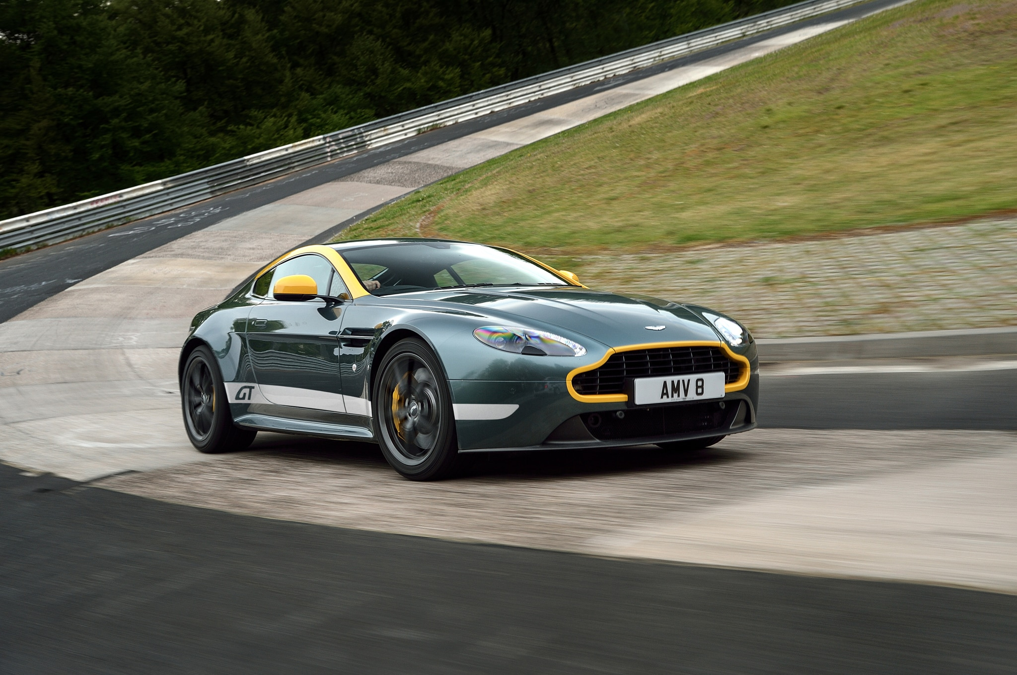 2015 Aston Martin V8 Vantage GT Front Three Quarter In Motion 06